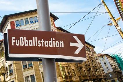 """<span class=""""post__title-headline"""">Dem Ernst Kuzorra seine Frau ihr Stadion – Namensrechte an Fussball-Stadien</span>"""