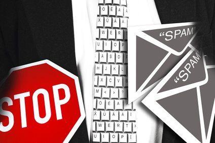Handelt es sich bei einem Firmenlogo in der Email-Signatur um unzulässige Werbung?