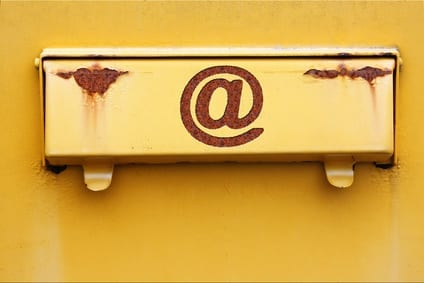 KG Berlin: Google darf nicht nur Standardmails senden