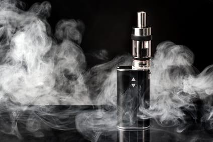 Jugendschutz bei e-Zigaretten und Liquids: 5 Dinge, die Online-Händler wissen müssen