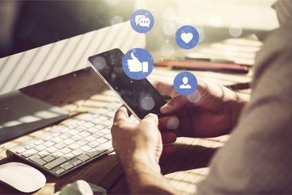 Klage gegen Facebook: Verfahren wegen Datenschutzverstößen ausgesetzt