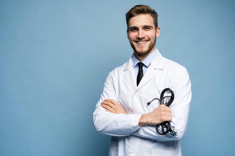 Jetzt auch OLG Thüringen: Jameda muss Ärztebewertung löschen, wenn Behandlungskontakt nicht belegt ist