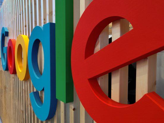 Kartellrecht: Französische Wettbewerbsbehörde zwingt Google zu Verhandlungen